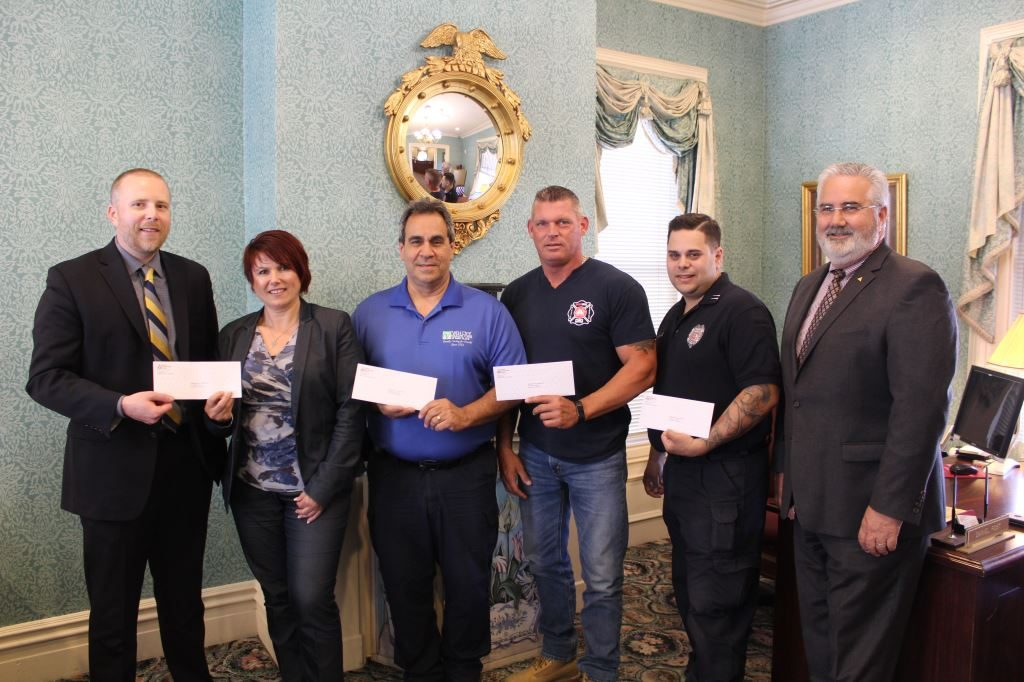 Atlantic Stewardship Bank Awards the Hawthorne Fire Department