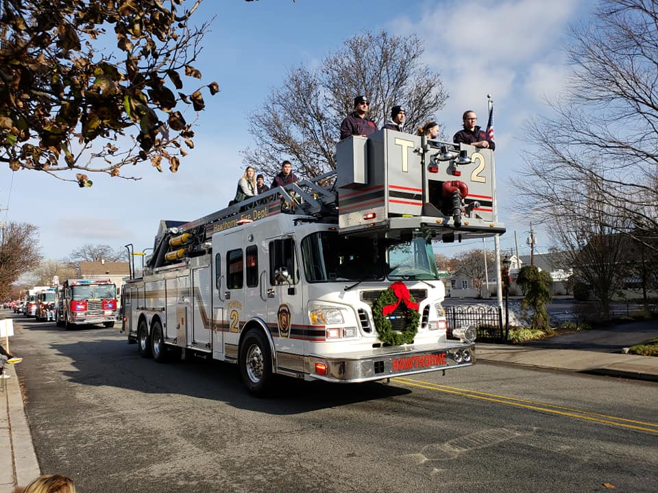 Hawthorne Chamber of Commerce – 33rd Annual Santa Parade